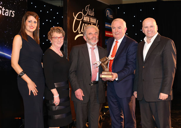 Pictured (L-R) at the Irish Auto Trade Awards were model Jessica McCarthy, Mary Kinahan & Greg Kinahan, Kinahan Commercials, accepting his their HCV Aftersales Main Dealer of the Year 2015 award last weekend from Padraic Deane, Managing Director Auto Trade Journal & Sean Gallagher (Master of Ceremonies).