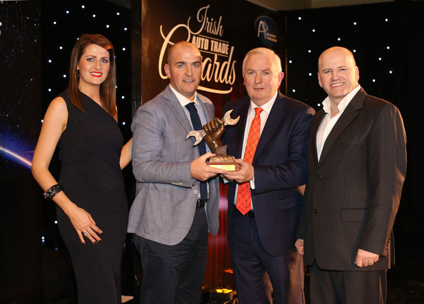 Pictured (L-R) at the Irish Auto Trade Awards were model Jessica McCarthy, Alan Gaynor, J&S Automotive Distributors, accepting his Wholesale Parts Distributor of the Year 2015 award from Padraic Deane, Managing Director Auto Trade Journal & Sean Gallagher (Master of Ceremonies).