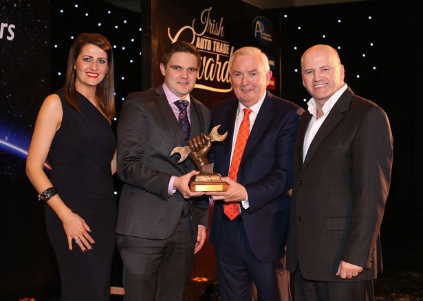 Pictured (L-R) at the Irish Auto Trade Awards were model Jessica McCarthy, Simon McGarrigle, Marketing Manager Finol Oils, accepting his Transport Parts Distributor of the Year 2015 award from Padraic Deane, Managing Director Auto Trade Journal & Sean Gallagher (Master of Ceremonies).