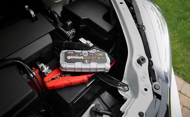 noco_genius_boost_safe_lithium_jump_starter_minvan_jump_start[1]-copy