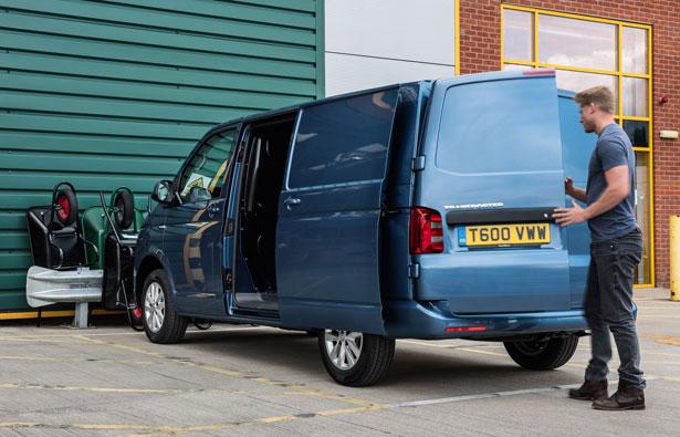 VW-Transporter-panel-van-overloading-1